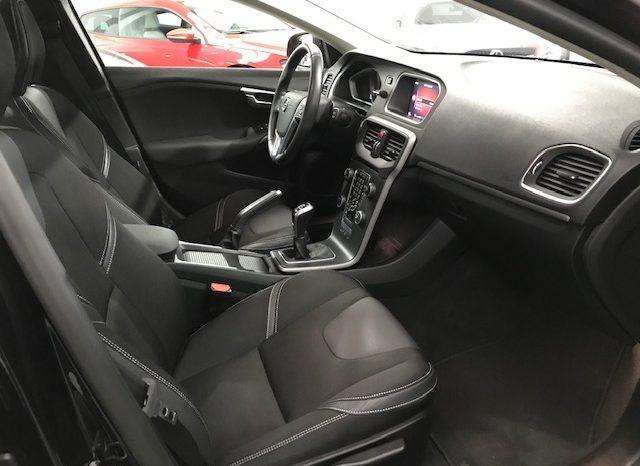 Volvo V40 D3 Momentum 2.0D 150cv completo